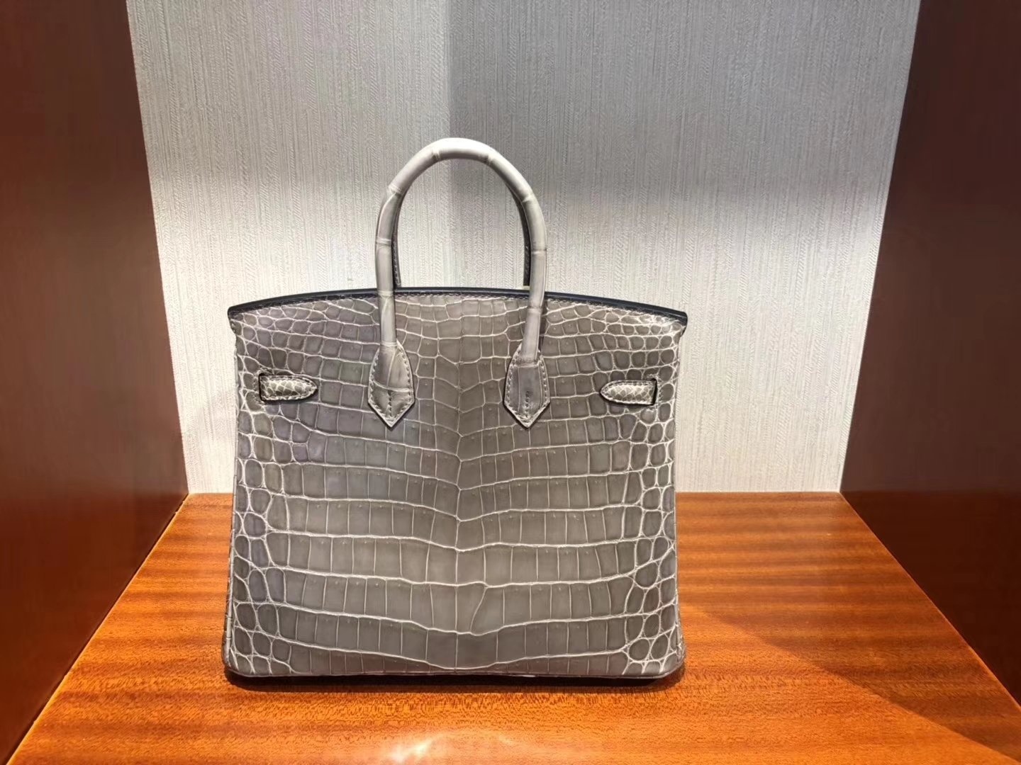 Sale Hermes CK18 Gris Etoupe Shiny Crocodile Birkin Bag25CM Gold Hardware