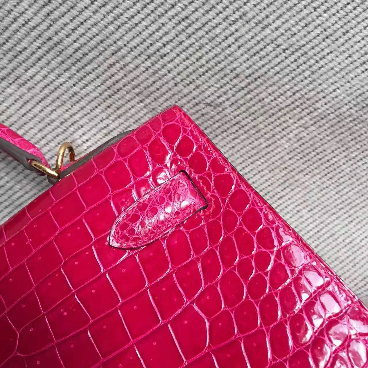 Noble Hermes Crocodile Shiny Leather Kelly Bag32cm in  J5 Rose Scheherazade
