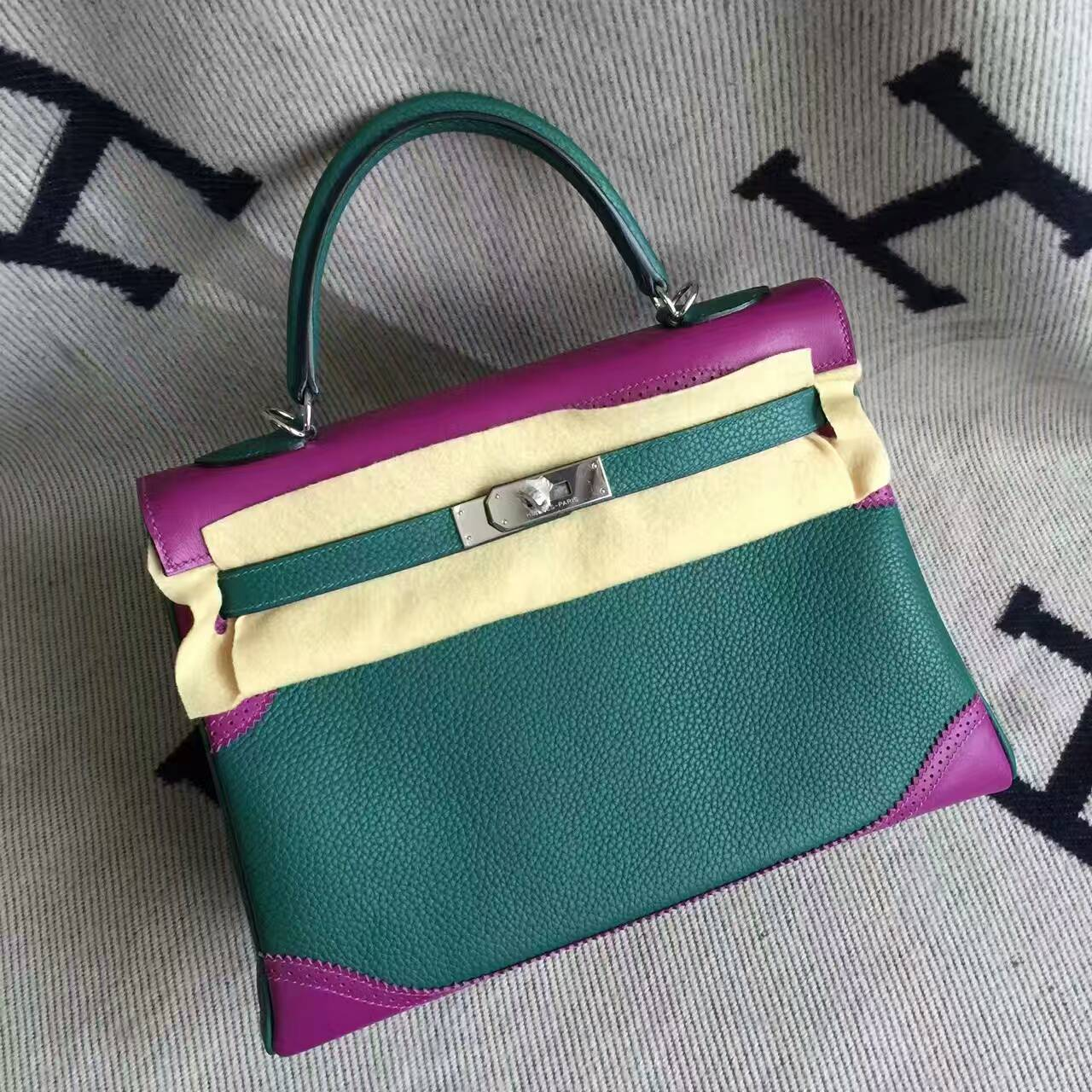 New Arrival Hermes Ghillie Kelly32CM Handbag in Malachite & Purple Togo Leather