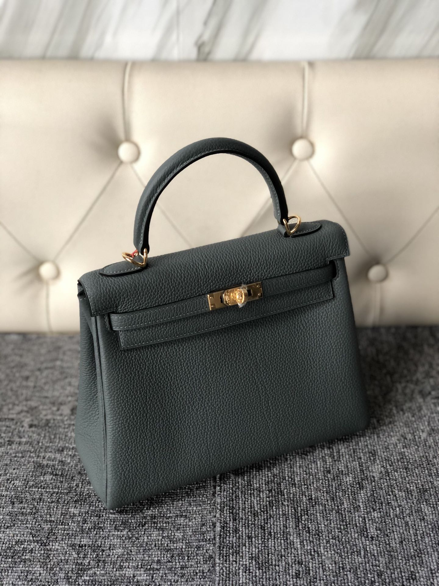 Fashion Hermes Togo Calf Kelly25cm Bag in CC63 Vert Amande Gold Hardware