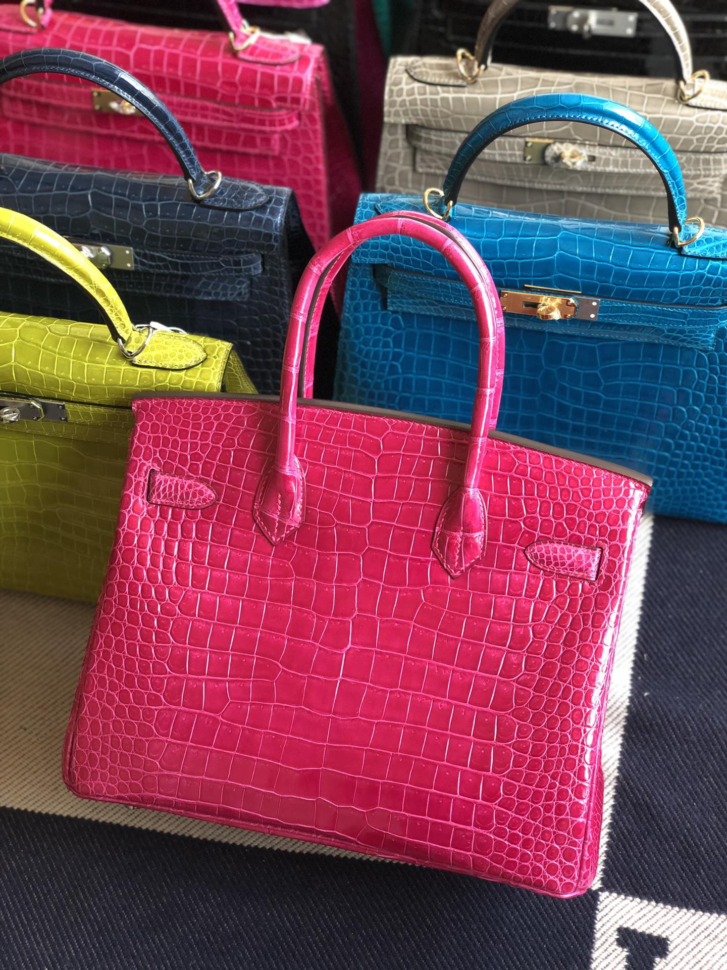 Stock Hermes E5 Rose Tyrien Shiny Crocodile Birkin30CM Bag Silver Hardware