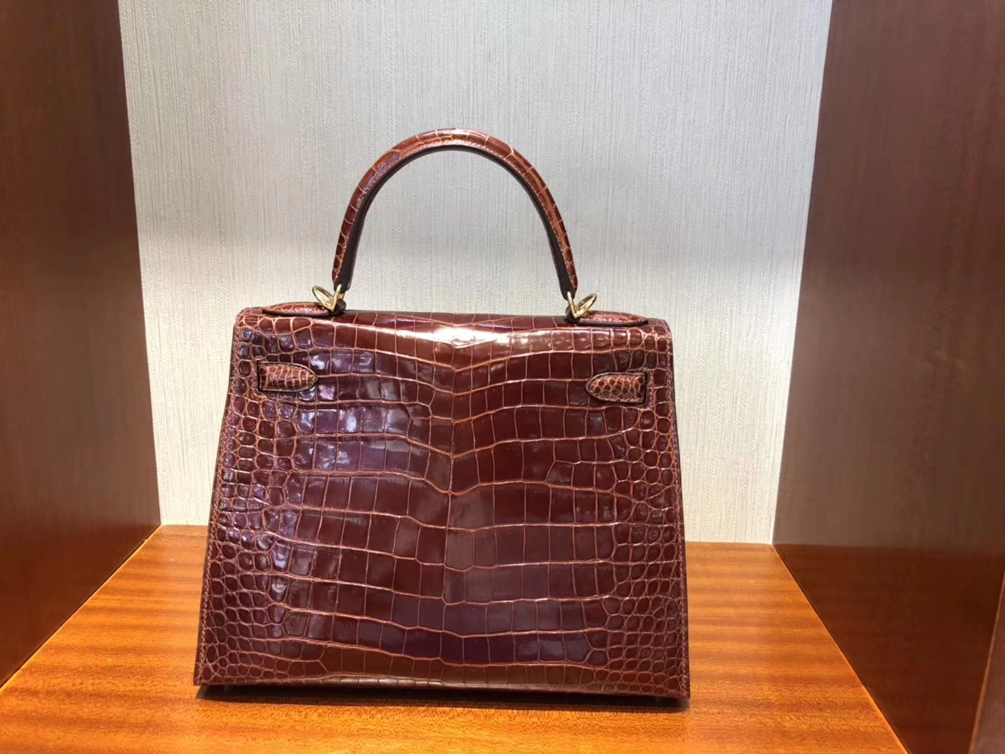 Noble Hermes Shiny Crocodile Kelly Bag28CM in CK31 Miel Gold Hardware