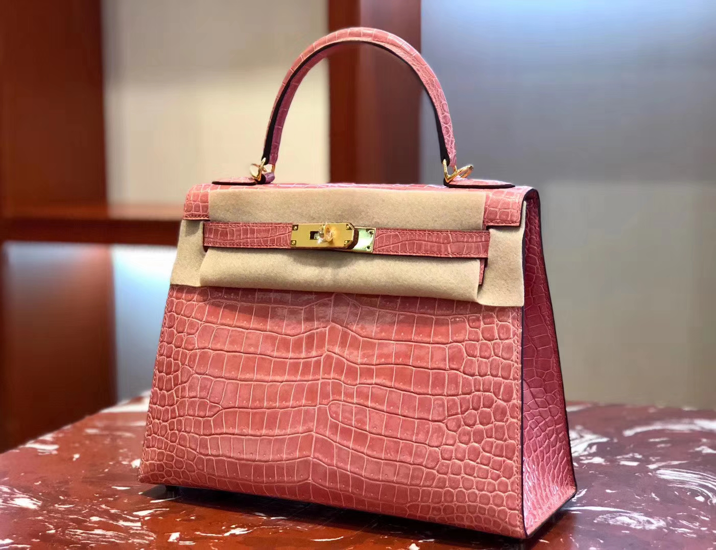 Pretty Hermes Shiny Crocodile Kelly Bag28CM in Rose Peach Gold Hardware