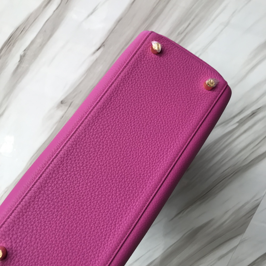 Stock Hermes 9I Rose Magnolia Togo Calf Kelly28CM Bag Gold Hardware
