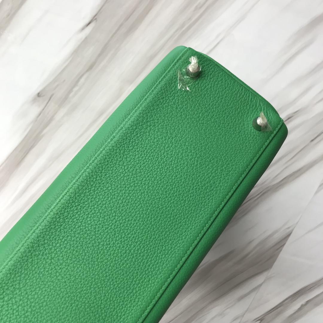Stock Hermes Togo Calf Kelly Bag28CM in 1K Bamboo Green Silver Hardware