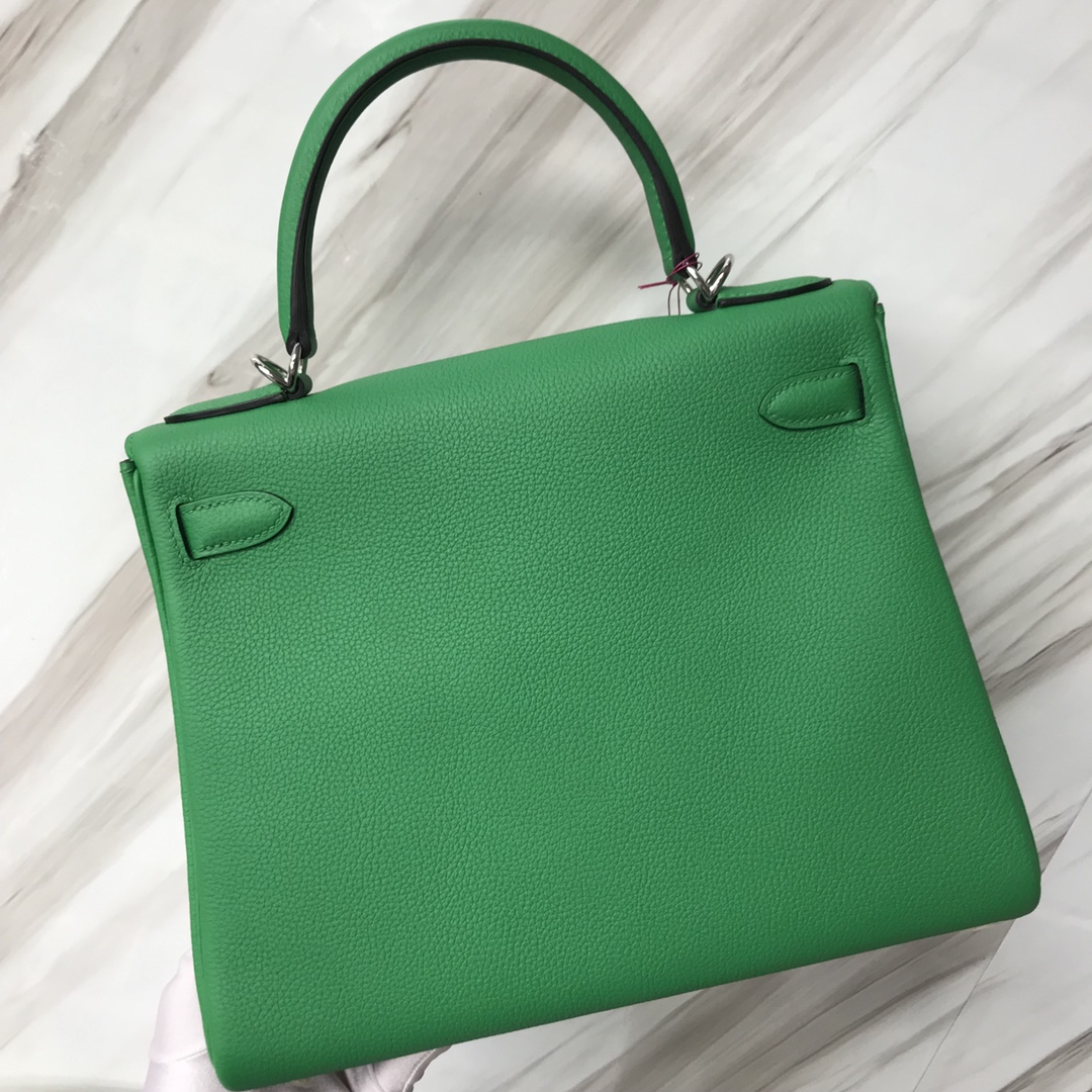 Stock Hermes Togo Calf Kelly Bag28CM in 1K Bamboo Green Silver Hardware